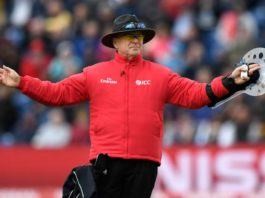 ICC: Umpire Oxenford to retire from international cricket