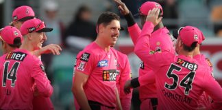 Sydney Sixers: Dwarshius re-signs for 3 years