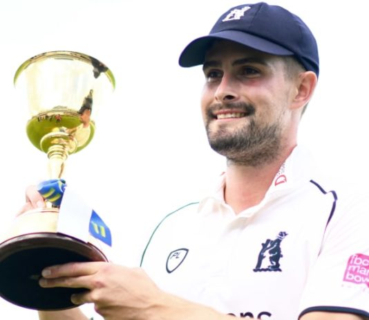 ECB: LV= Insurance County Championship returns to two divisions in 2022